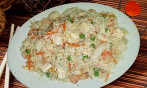 130A Пържен ориз с морски дарове